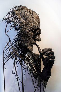 The Wire Figures of Darius Hulea >> ShOP IT >>... Metal Art Sculpture, Contemporary Sculpture, Contemporary Art, Sculpture Rodin, Abstract Sculpture, Bronze Sculpture, Chicken Wire Art, Welding Art Projects, Scrap Metal Art