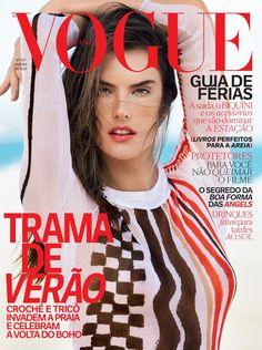 Alessandra Ambrosio estrela a edição de janeiro da Vogue Brasil (Foto: Editora Globo)