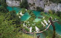 1 visitor has checked in at Plitvice Lakes National Park, Croatia. World Wallpaper, Travel Wallpaper, Plitvice Lakes National Park, World Heritage Sites, Beautiful Places, National Parks, Scenery, Places To Visit, Around The Worlds