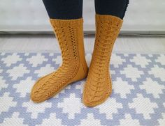 Rakkaudesta villasukkiin Socks, Clothes, Fashion, Stockings, Tall Clothing, Moda, Fashion Styles, Clothing Apparel, Sock