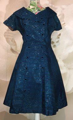1950's Handmade Dress  | eBay Vintage Clothing, Vintage Dresses, Vintage Outfits, Flapper Costume, 1920s Dress, Handmade Dresses, Evening Gowns, Retro Vintage, Fashion Dresses