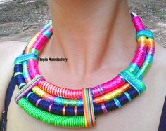 Collar, collar de declaración, collar de cuerda africana, étnica declaración collar, collar africano, collar babero, joyería Tribal Africana de la cuerda