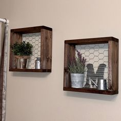 Farmhouse Style Shelves, Set of two Chicken Wire Shelves, Gallery Wall Decor, Bathroom Wall Decor - Farmhouse Shelves Farmhouse Decor Chicken Wire Shelf Wood Farmhouse Christmas Decor, Country Farmhouse Decor, Farmhouse Style, Antique Farmhouse, Farmhouse Ideas, Country Style, Diy Décoration, Diy Crafts, Chicken Wire