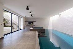 "Casa de lujo ""London West"" diseño de SHH, Inglaterra----piscina-cubierta-casa-de-lujo"