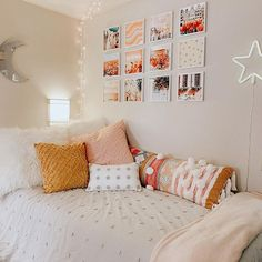Give your dorm room walls the love they deserve! Mixtiles make it easy to decorate your walls with their sticky adhesive on the back, and don& damage your walls! Photo via IG: berkley_p College Bedroom Decor, Teen Room Decor, Dorm Room Decorations, Dorm Themes, Fall Room Decor, Dorm Room Walls, Cute Dorm Rooms, Dorm Room Bedding, Dorm Room Beds