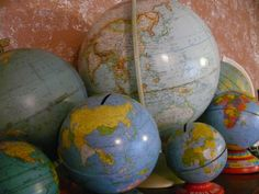 A collection of globes...Oh the places far and wide this looks fantastic