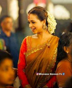 Indian Actress Hot Pics, South Indian Actress, Indian Actresses, Indian Natural Beauty, Indian Beauty Saree, Bhavana Actress, Kerala Wedding Photography, Bride Portrait, Malayalam Actress
