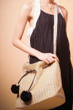 Straw Handbags, How To Make Handbags, Straw Bag, Fabric, Look, Women, Fashion, Tejido, Tela