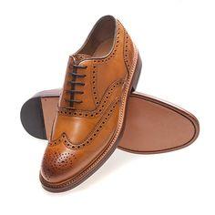 Wunderschöne Schuhe! Men Dress, Dress Shoes, Oxford Shoes, Lace Up, Fashion, Leather Booties, Gents Shoes, Handbags, Nice Asses