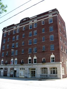 Former Hotel Ashtabula -Architect: Sandvick Architects Built in 1920, the six-story, 109 room hotel included a ballroom that could hold 300 people and a dining room that could accommodate 125. It was considered the elite social center of Main Avenue in downtown Ashtabula.