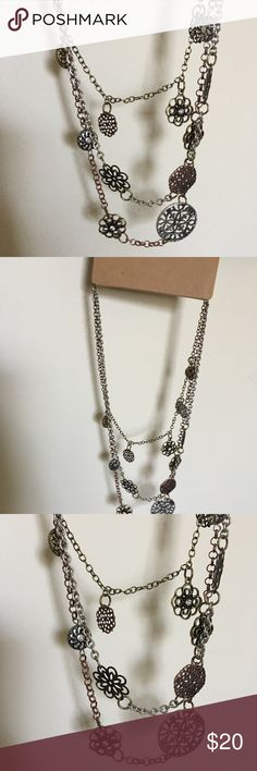 NWT 3 tone metal dangle necklace. Beautiful way to mix metals!! This necklace is a perfect statement piece!! NWT G.H. Bass & Co. Jewelry Necklaces