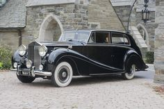 1952 ROLLS-ROYCE SILVER WRAITH TOURING LIMOUSINE - by Hooper & Co (Coachworks) of London.