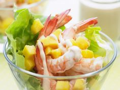 The best Prawn cocktail with mango recipe you will ever find. Welcome to RecipesPlus, your premier destination for delicious and dreamy food inspiration. Mango Cocktail, Prawn Cocktail, Prawn Dishes, Prawn Salad, Homemade Sauerkraut, Healthy Sauces, Healthy Recipes, Pickled Cabbage, Mango Recipes