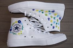 Excited to share this item from my shop: Embroidered Flower Converse Chuck Taylors Mode Converse, Diy Converse, Painted Converse, Custom Converse, White Converse, Painted Shoes, Custom Shoes, Converse Shoes, Converse Design