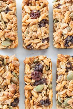 A perfectly portioned, honey-sweetened granola bar perfect for lunches or when you are on the go. One recipe makes 30 mini bars! Good and fast. Healthy Granola Bars, Vegan Granola, Healthy Protein Snacks, Healthy Breakfasts, High Protein, Epicure Recipes, Snack Recipes, Cooking Recipes, Epicure Steamer