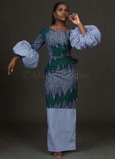 It is a fusion of Western and Nigerian styles, including a mix of Ankara, crêpe, organza and striped shirts. Taking its inspiration from Nigerian women and their different personalities, the brand seeks to provide women with pieces for every mood: from simple and elegant, to sexy and fierce and everything that embodies the Alainé woman.