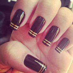 Burgundy Nails With Gold Stripe Google Search Black Gold Nails Gold Nails Burgundy Nails