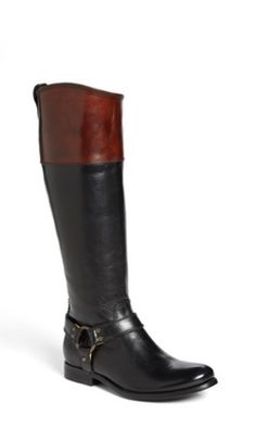 Two-tone boots #ilovefall http://www.revolvechic.com/#!/cu2d