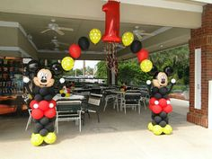 Mickey Mickey Mouse Birthday Decorations, Theme Mickey, Mickey Mouse Balloons, Fiesta Mickey Mouse, Mickey Party, Mickey Mouse Parties, Mickey 1st Birthdays, Mickey Mouse First Birthday, Mickey Mouse Clubhouse Birthday Party