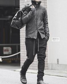 DEVOA : High Neck Jacket Calf Leather  DEVOA : Easy Pants Silk / Linen Random Check  DEVOA : Leather Boots Lead Black  CORNELIAN TAURUS : Stone boston Bag  WERKSTATT:MÜNCHEN : Cap Classic Long Plain Clip  Model is 168cm / 57kg. Wearing Everything in Size 1.  #devoa #corneliantaurus #corneliantaurusbydaisukeiwanaga #darkfashion #blackfashion #fashionpotography #guidi #werkstattmünchen #werkstattmunchen #fashionsnap #fashion #fascinate #osaka #japanfascinatejapan