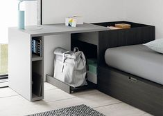 Decorate your room in a new style with murphy bed plans Smart Furniture, Space Saving Furniture, Furniture Design, Tiny House Furniture, Small Room Bedroom, Bedroom Decor, Small Apartments, Small Spaces, Home Office Design
