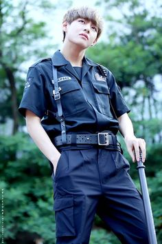 BTS TAEHYUNG THIS! Really, we needed to go there and give the entire ARMY a group heart attack? *Sigh*