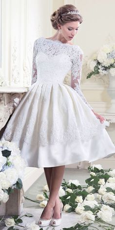 Gorgeous Tea Length Wedding Dresses ❤ See more: http://www.weddingforward.com/tea-length-wedding-dresses/ #weddings  #vestidodenovia | #trajesdenovio | vestidos de novia para gorditas | vestidos de novia cortos  http://amzn.to/29aGZWo