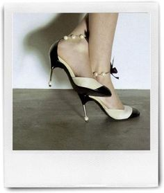 These Chanels are so my style - love the pearl anklets with bows - so classic and feminine!