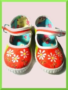 Zapatillas pintadas a mano: Las flores de Irene