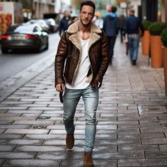 Lapel Velvet Long Sleeve Leather Jacket - Appreciate Tutorial and Ideas Leather Jacket Brands, Leather Jacket For Men, Leather Jackets, Mode Man, Style Masculin, La Mode Masculine, Herren Outfit, Fall Fashion Outfits, Fashion Men