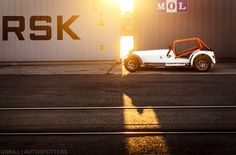 automotivated:  Light, is right (by Gskill photographie)