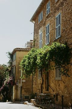 Saint Tropez / photo by Stefanie Jane