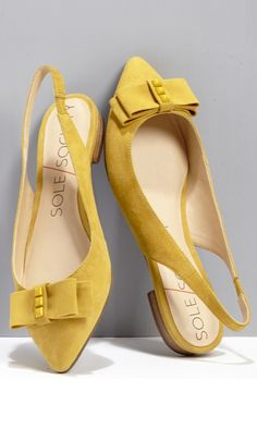 Charming bow slingbacks!