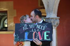 """Pissarra multicolor """"All you need is love"""""""