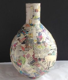 How to Make Paper Mache Vases from Balloons decoupage napkins on paper mache vases, crafts, decoupage Vase Centerpieces, Vases Decor, Making Paper Mache, How To Paper Mache, Paper Mache Projects, Art Projects, Paper Art, Paper Crafts, Paper Mache Crafts For Kids
