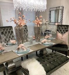 I hope everyone is having an amazing and productive week. Of course I was going to makeover my formal dining room 😍 Dinning Room Table Decor, Dining Room Table Centerpieces, Decoration Table, Dining Room Design, Dining Table, Dining Room Sets, Fine Dining, Console Table, Table Lamp