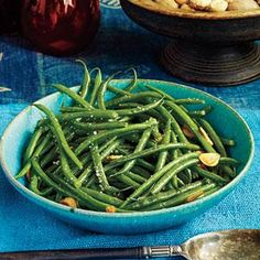Green Beans with Garlic Recipe | MyRecipes.com  3 pounds green beans, trimmed $ 3 large garlic cloves, thinly sliced 2 tablespoons olive oil $ 1 teaspoon salt 1/2 teaspoon freshly ground pepper Preparation  Total: 23 Minutes 1. Cook beans in boiling salted water to cover 5 minutes or just until tender. Drain well.  2. Cook half of garlic in 1 Tbsp. hot oil in a Dutch oven over medium heat 1 minute or until golden. Add half of beans, and sprinkle with 1/2 tsp. salt and 1/4 tsp. pepper. Cook, ...