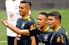 Les Brésiliens parisiens évoquent le cas Neymar ! - http://www.le-onze-parisien.fr/les-bresiliens-parisiens-evoquent-le-cas-neymar/