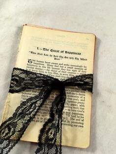 Lot 200 Plus Vintage Book Pages Collages Arts Crafts Ephemera Maps #152 Art Supplies