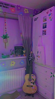 Bedroom Inspiration Cozy, Cute Bedroom Ideas, Pretty Bedroom, Room Ideas Bedroom, Indie Room Decor, Cute Room Decor, Aesthetic Room Decor, Neon Room, Grunge Room