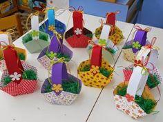 ΤΟ ΠΑΙΧΝΙΔΟΣΧΟΛΕΙΟ ΜΑΣ: Απρίλιος 2014 Easter Crafts, Activities For Kids, Diy And Crafts, Birthdays, Drama, Easter Activities, Anniversaries, Children Activities, Birthday