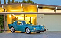 A Studebaker Avanti in front of an 1950's Eichler Home in Orange, California. Photo: Richard Truesdell