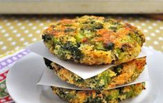 Delicious Broccoli Recipes Vegetarian Although the broccoli is a harbinger of winter, it is a very beneficial food for health, but it is not liked by many people. We have shared 6 recipes of broccoli that will help you make peace with Tasty Broccoli Recipe, Broccoli Recipes, Vegetarian Recipes, Cooking Recipes, Healthy Recipes, Broccoli Patties, Patties Recipe, Good Food, Yummy Food