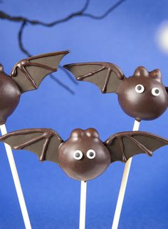 Trick or treat? Oohh...we'll choose a treat please (oh go on then - make it two!). Here are some deliciously spooky Halloween cakes and bakes. Cake pops: an easy to make, delicious treat - find this and other cake recipes at Netmums...