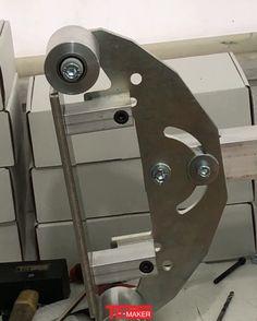 Belt Grinder Plans, Knife Template, Knife Grinder, Grinding Machine, Machine Tools, Custom Knives, Psp, Metal Furniture, Knife Making