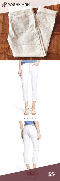 """Caslon Boyfriend Jeans Caslon white stretch denim crop boyfriend jeans. Size 27. Inseam 28.5"""" uncuffed, 23.5"""" cuffed. Excellent condition, worn twice. Caslon Jeans Boyfriend"""