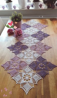 Elegant Filet Crochet Tablecloth For Modern Table Decor – Page 6 – Crochet F. Crochet Dollies, Crochet Doily Patterns, Crochet Squares, Crochet Motif, Crochet Flowers, Knitting Patterns, Crochet Table Topper, Crochet Table Runner, Crochet Tablecloth