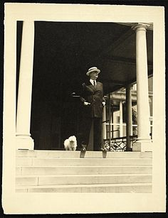 Citation: Alpheus Hyatt Mayor, ca. 1950 / unidentified photographer. A. Hyatt Mayor papers, Archives of American Art, Smithsonian Institution.
