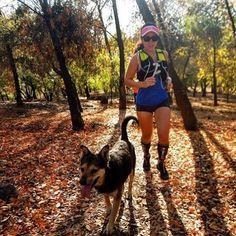 La mejor compañía  Gracias @cata_alegria_ por compartir tu foto con nosotras #traildog #trailrun #trailrunner #running #run #runner #runners #runnerscomunity #runnergirl #runningwoman #mujeresrunnersla