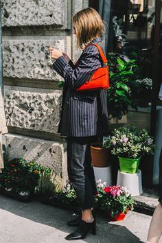 vogue-esstreet_style_milan_fashion_week_versace_giamba_armani_906318546_800x